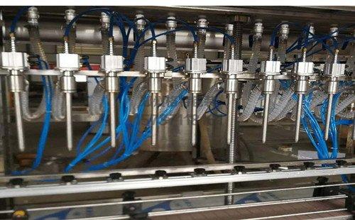 全自动直线液体灌装机